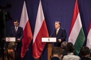 """Rytų Europos valstybės vėl priešinasi Vakarų """"šviesai"""""""